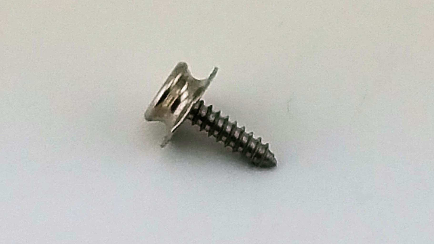 Pull-the-Dot Screw Stud 7/8